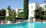 Ferienanlage Italien: Teil Eines Feriencenters Riviera B4 In Pietra Ligure, ...